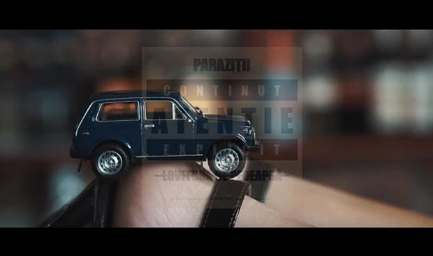 parazitii-politia-trece-clip-parazitii